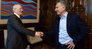 El empresario y CEO del grupo Techint, Paolo Rocca, y el presidente Mauricio Macri en Casa Rosada-